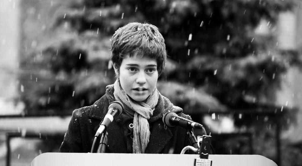Lecture publique des noms des victimes des répressions politiques en URSS à Paris («Возвращение имён»)