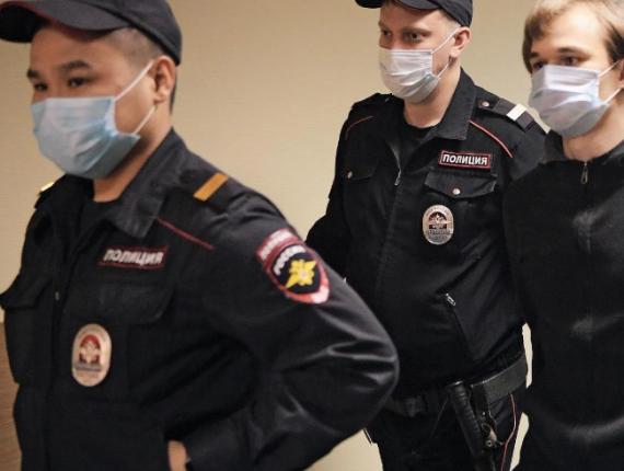 Azat Miftakhov, étudiant diplômé du MGOu, condamné à six ans de régime général